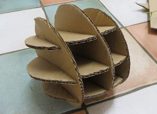 Подвесная игрушк-шар для кролика своими руками